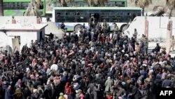 Sirijski civili evakuisani iz istočne Gute