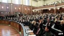 Poslanici u Skupštini Kosova glasaju za novog predsednika i vladu