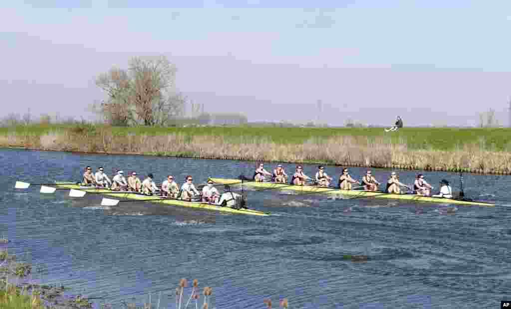 İngiltərə - QAdınların Qayıqsürmə üzrə yarışı