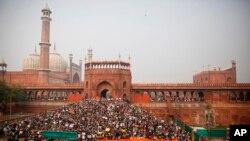 متنازع شہریت بِل: دہلی کی جامع مسجد مظاہروں کا گڑھ بن گئی