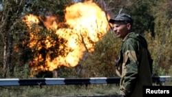 Các phần tử vũ trang ly khai thân Nga tại Donetsk.