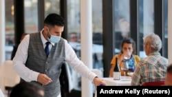 Các nhà hàng ở Mỹ mất khách vì Covid-19