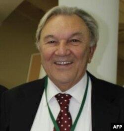 Nodir Davlat, Istanbul Tijorat Universiteti professori