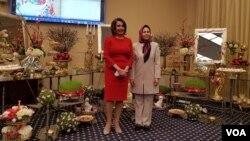 از جمله مهمانان مراسم چهارشنبه شب، نانسی پلوسی، رهبر اقلیت دموکرات مجلس نمایندگان بود.
