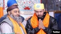 ننکانہ صاحب کے ساتھ ساتھ، گپی نے حسن ابدال پنجہ صاحب کی زیارت کی۔