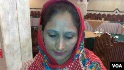 """""""آئے روز کی بیماری تو اب عمر بھر ساتھ چلنی ہے""""۔ ایچ آئی وی پازیٹو مسرت شاہین، جنہیں یہ بیماری اپنے شوہر سے لگی"""