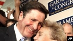 John Garamendi hugs his wife, Patti (file photo)