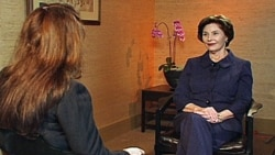 Former First Lady Laura Bush speaking with VOA's Shaista Sadat