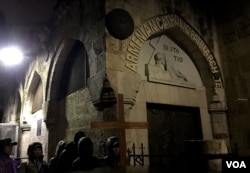 Via Dolorosa trong thành cổ Jerusalem là đoạn đường mà Giêsu đã vác thánh giá đi qua trong cuộc khổ nạn (Ảnh: Bùi Văn Phú)