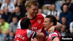 Klub Arsenal kembali memimpin Liga Premier setelah menekuk Newcastle United dengan angka tipis 1-0 hari Minggu 29/12 (foto: dok).