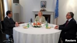 KKTC Cumhurbaşkanı Mustafa Akıncı ve Rum lider Nikos Anastasiades, Şubat ayından bu yana ilk defa görüştü