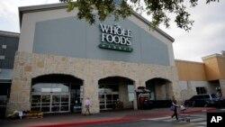 """德克萨斯州圣安东尼奥的一家""""全食超市""""(Whole Foods)商店。(资料照)"""
