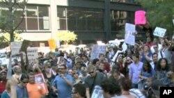 """Συνεχίζονται οι διαδηλώσεις του κινήματος """"Κατάληψη στη Wall Street"""""""