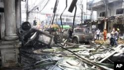 Serangan bom mobil di provinsi Yala yang dilakukan kelompok separatis di Thailand selatan, menewaskan 14 orang (31 Maret 2012).