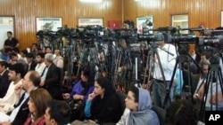 د نی اداره وایي، په ۲۰۱۶ کال کې له افغان خبریالانو سره د تاوتریخوالي ۴۱۵ پیښې ثبت شوې دي