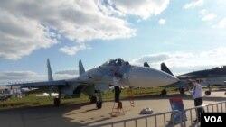 去年8月末莫斯科航展上展出的苏-27SM3战机。(美国之音白桦拍摄)