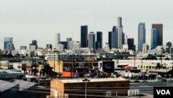 洛杉矶市区大兴土木(美国之音国符拍摄)