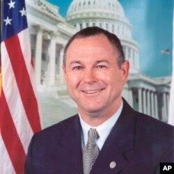 来自加利福尼亚州的资深众议员戴纳·罗拉巴克