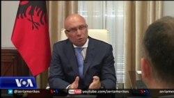 Tiranë, ministri i Brendshëm, kërkon shkarkimin e 3 shefave të policisë