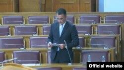 ARHIVA - Crnogorski ministar pravde Vladimir Leposavić govori u Skupštini Crne Gore (Foto: rtcg.me)