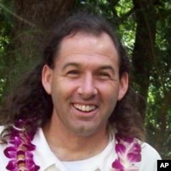 夏威夷大学政治系教授、夏威夷人权协会主席库柏