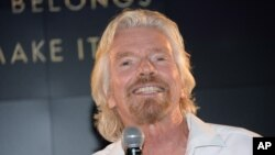 Richard Branson, the founder of Virgin Group, recently spoke in Ho Chi Minh City about business issues.