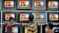 نجی ٹی وی چینلز پر' بریکنگ نیوز' کا چسکا