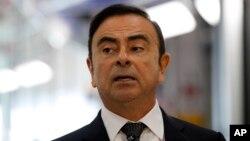 CEO Renault, Carlos Ghosn, diberhentikan dari jabatannya oleh Nissan dan Mitsubishi.