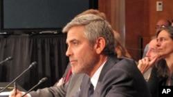 喬治.克魯尼在國會作證