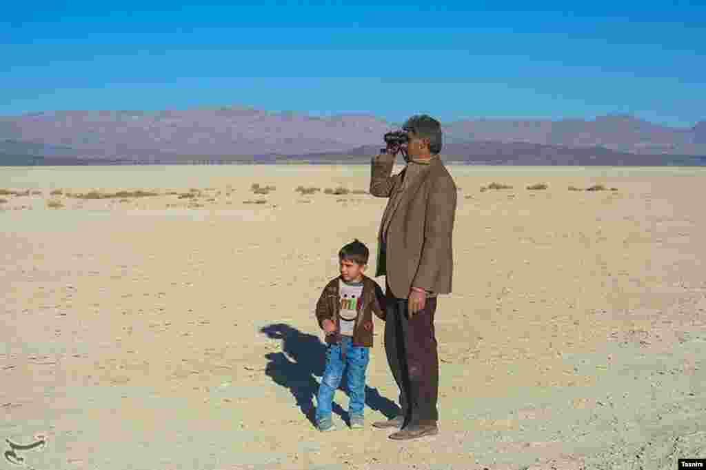 نفس های آخر دریاچه بختگان - فارس عکس: حسین خسروی