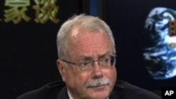 亚洲投资咨询公司副总裁詹姆斯.麦克诺顿