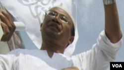 Anggota FPI berdemonstrasi menuntut dilarangnya Ahmadiyah di Medan (foto: dok 2008).