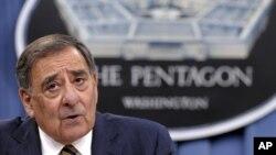 """El secretario Panetta por su parte, describió las relaciones con Pakistán como """"un sube y baja""""."""