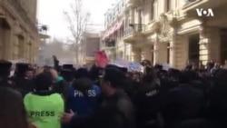 """Bakıda 8 Marş qadınlar -""""Şiddətə susma!"""" şüarı səsləndiriblər"""