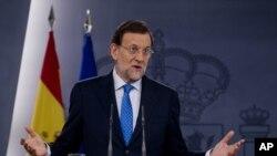 Thủ tướng Tây Ban Nha Mariano Rajoy phát biểu trong 1 cuộc họp báo ở Madrid, 3/8/2012