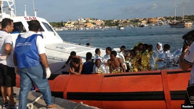 Mbi 130 të vdekur në brigjet e Lampeduzës