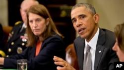 Tổng thống Obama triệu tập một phiên họp với các thành viên nội các và các giới chức cao cấp khác của một nhóm ông lập ra để ngăn chặn sự bộc phát dịch bệnh Ebola.