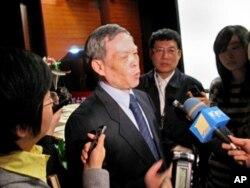 前中國外經貿部副部長孫振宇