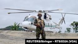 Un soldat de la garde présidentielle dans l'État de Cross River, où le kidnapping a eu lieu au Nigeria le 20 octobre 2015.