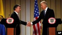 El presidente de Colombia, Juan Manuel Santos, y el vicepresidente de EE.UU., Joe Biden, dieron una rueda de prensa en Bogotá.