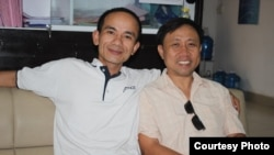 FILE - Activist Nguyen Bac Truyen (right) with citizen journalist Anton Le (Courtesy: Nguyen Bac Truyen)