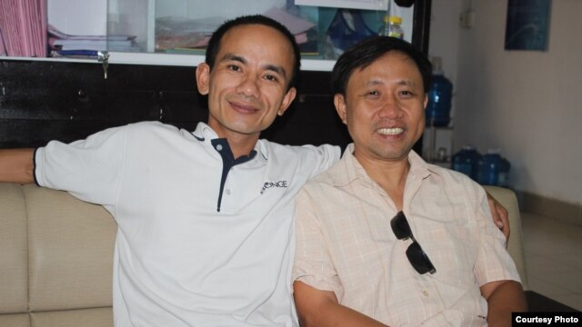FILE - Activist Nguyen Bac Truyen (right) with citizen journalist Anton Le (Courtesy: Nguyen Bac Truyen)