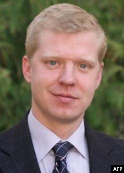 Svante Kornell, Vashingtonda tanilgan ekspert