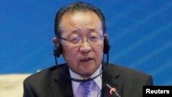 북한 외무성 김계관 제1부상이 18일 중국 베이징에서 열린 학술 회의에 참석해 발언하고 있다.