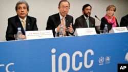 Tổng thư ký Liên hiệp quốc Ban Ki-moon trong buổi phổ biến phúc trình cua ủy ban IPCC ở Copenhage, 2/11/14