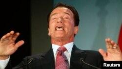 Arnold Schwarzenegger anunció que regresa una vez más a interpretar al robot que viene a proteger a los humanos.