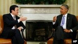 Tổng thống Hoa Kỳ Barack Obama và Chủ tịch nước Việt Nam Trương Tấn Sang hội đàm tại Tòa Bạch Ốc, 25/7/13