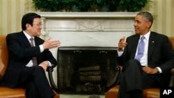 7月25日奥巴马总统在白宫会晤到访的越南国家主席张晋创