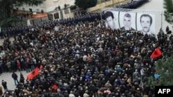 Arnavutluk'ta Geçen Hafta Ölenler Anıldı