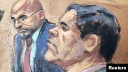 """FILE - The accused Mexican drug lord Joaquin """"El Chapo"""" Guzman (R), appears with defense attorney A. Eduardo Balarezo (L) in this courtroom sketch as he appears in Brooklyn federal court in New York, Nov. 19, 2018."""